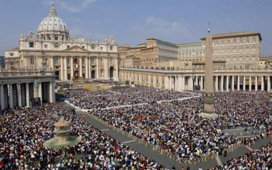 vatican-tourists